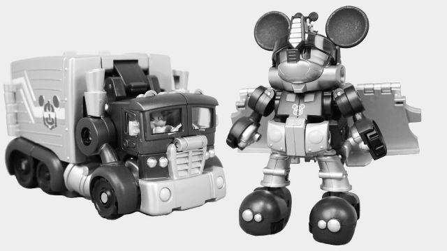 Transformers strani: Topolino Optimus Prime